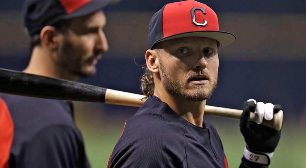 MLB-Indians-Donaldson-at-batting-practice-1040x572